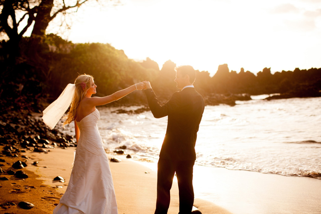 maui sunset wedding photos