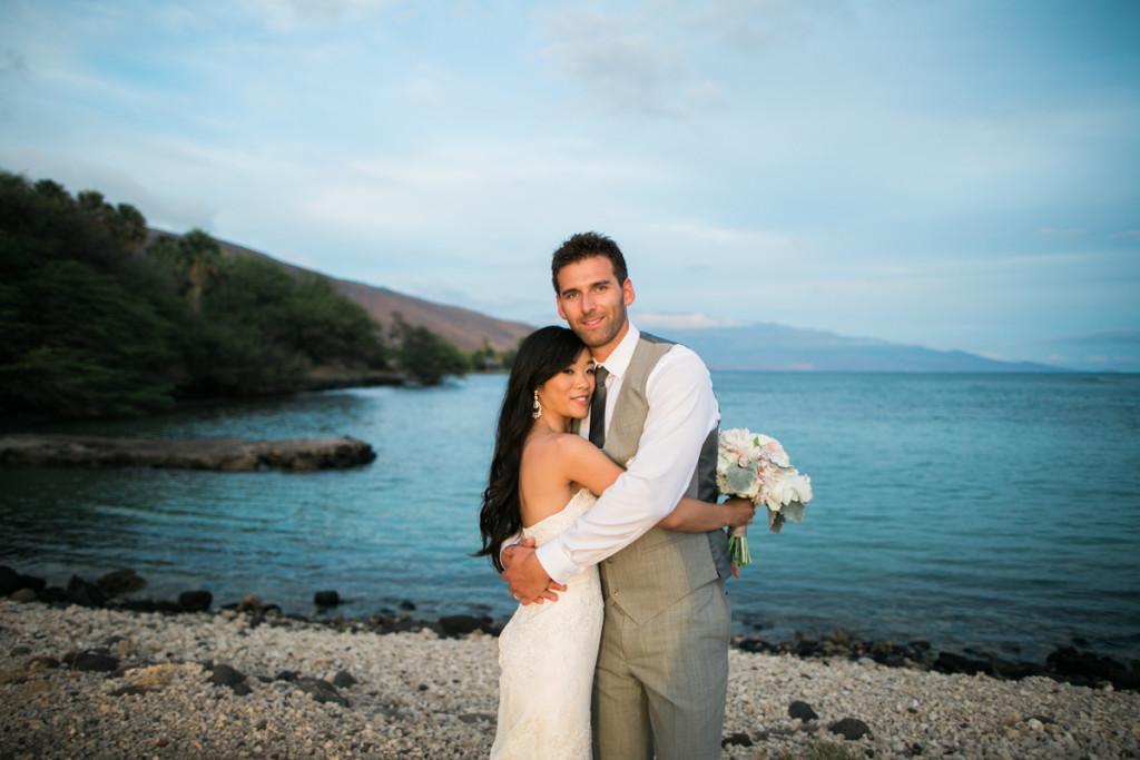 maui bride and groom