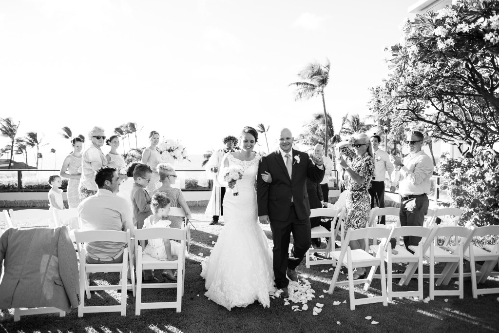 black and white maui ceremony photo